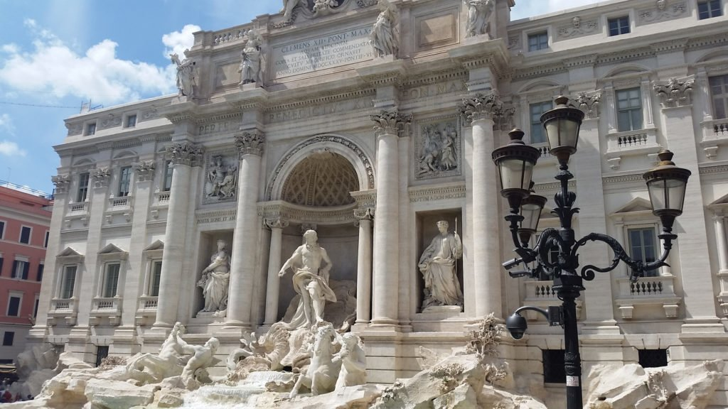 Trevi Fountain by Rome Vacation Tips