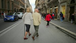 How to cross the street in Rome (and live to tell the tale!)