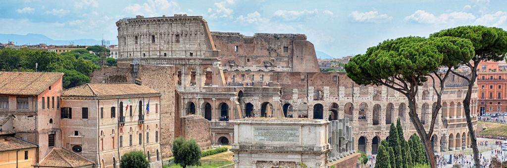 The difference between the Colosseum, Palatine Hill, and Roman Forum