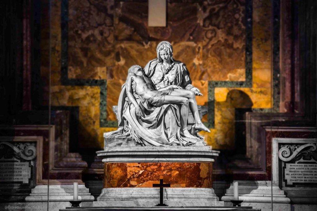 La Pietà by Jaime Estrada