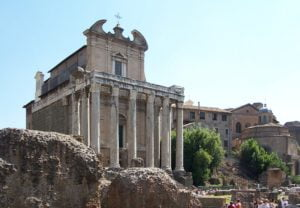 San Lorenzo in Miranda - a church in a temple in the Roman Forum