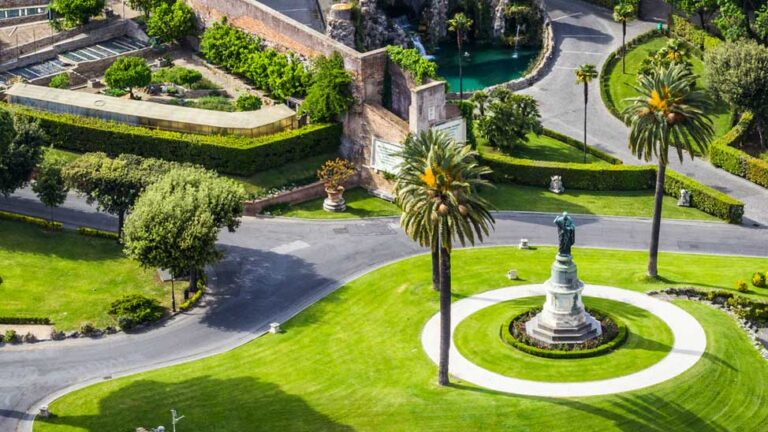 How to visit the Vatican gardens in Rome